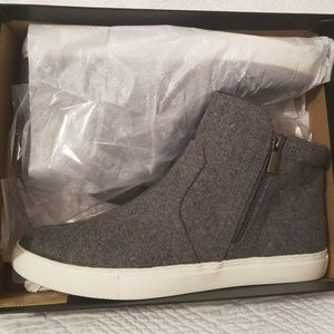 Kenneth Cole Grey women's shoes
